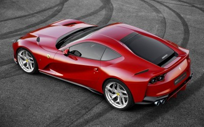 Ferrari 812 Superfast (30 фото)