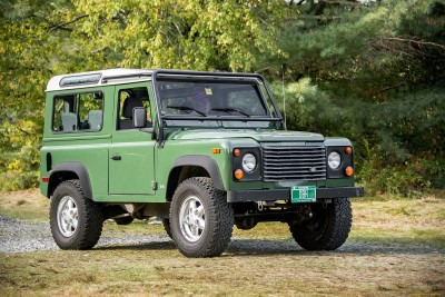 Land Rover Defender 90 (41 фото)