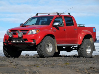 Toyota Hilux Arctic Trucks AT38 (41 фото)